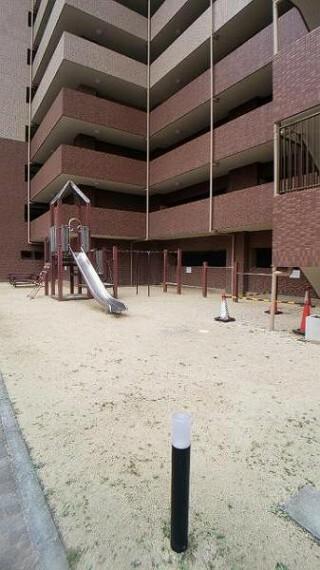 現況写真 敷地内には公園もあり、お子様にも嬉しい環境ですね。