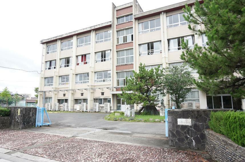 中学校 岐阜市立本荘中学校