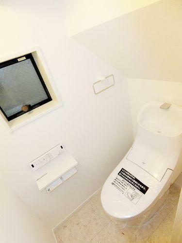 トイレ 2か所あるうちの1階部分のトイレ