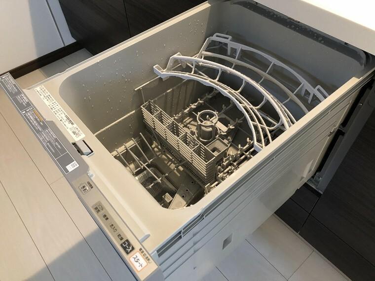 キッチン 食洗機も付いていて家事もらくらくです!