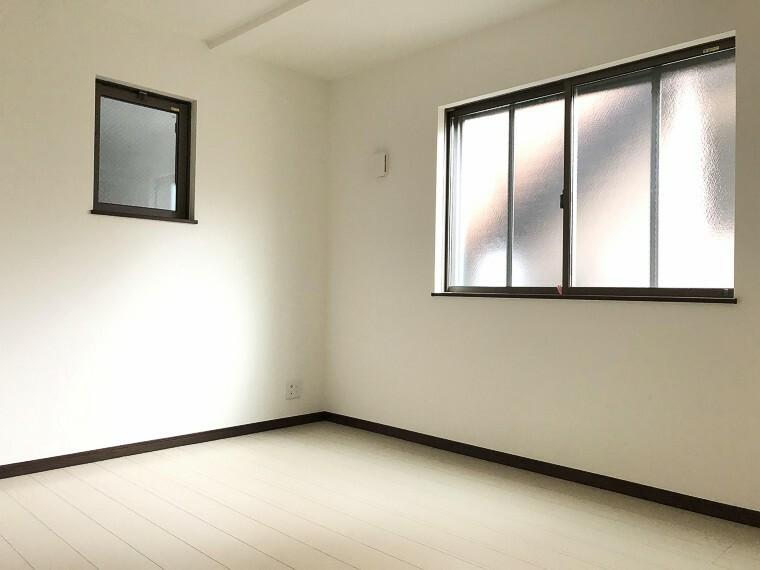 洋室 感性を育むプライベートルームはシンプルでスマートな空間。好みの空間で読書をしたり、音楽を聞いたりと一人の時間も充実したものにできます。