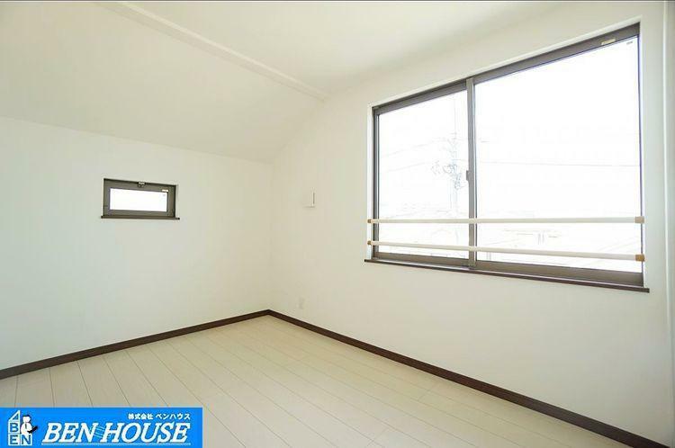 室内 全棟4室ご用意しており、お部屋の使い方はさまざま 子供部屋・趣味の部屋など楽しいお住まい。