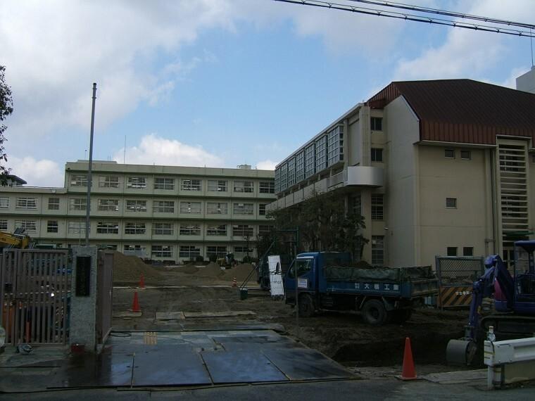 小学校 【小学校】尼崎市立上坂部小学校まで448m