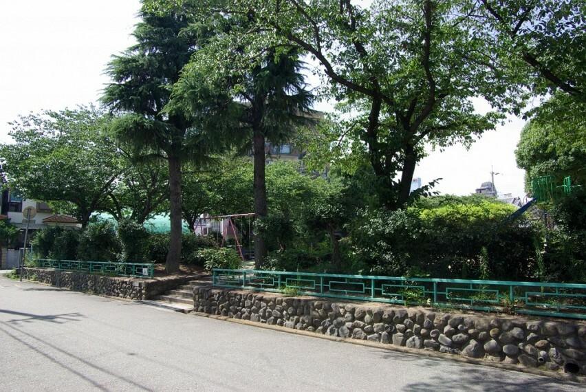 公園 【公園】上坂部西公園まで222m