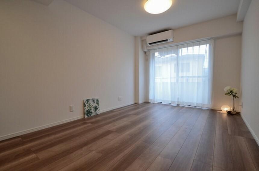 居間・リビング 2020年8月下旬にリノベーションを終えたばかりのきれいなお部屋です