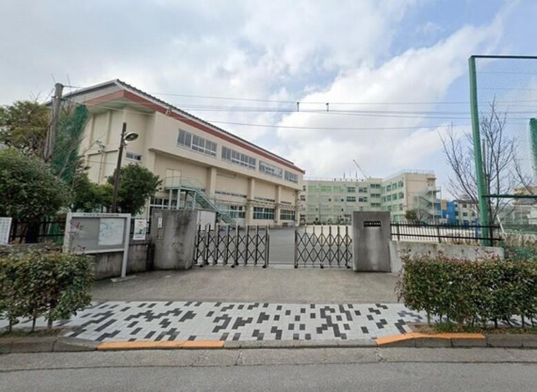 中学校 教育施設が徒歩圏内に揃った、子育てファミリーにもおすすめの住環境