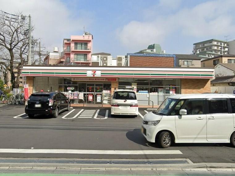 コンビニ セブン-イレブン 荒川西尾久4丁目店
