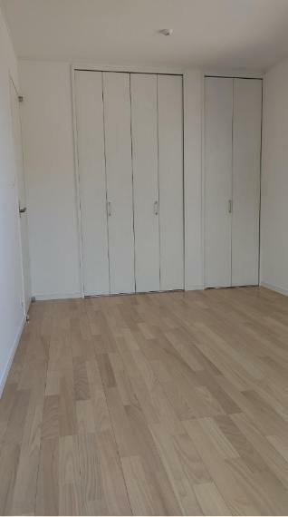 収納 2階6帖洋室のクローゼットです