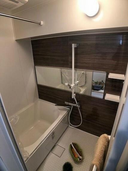 浴室 アクセントパネルがお洒落なシステムバス!