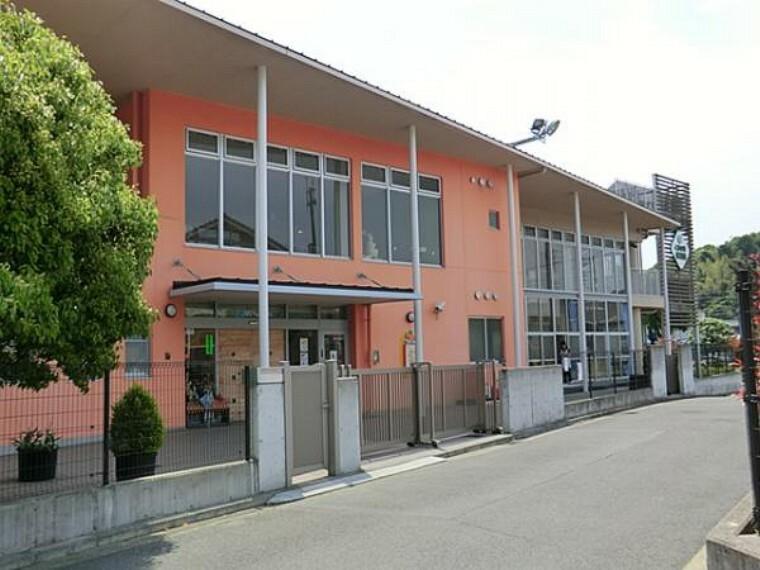 幼稚園・保育園 くすのき保育園 約960m