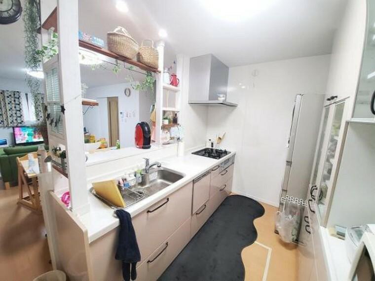 キッチン ゆったり使えるキッチンでお料理も楽しくなりますね!