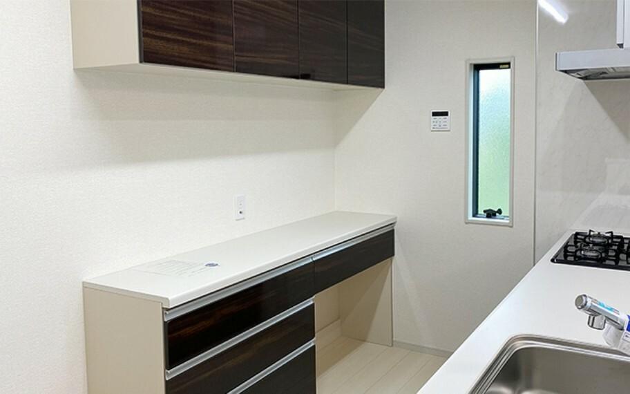 キッチン 現地写真:カップボード(3号棟)