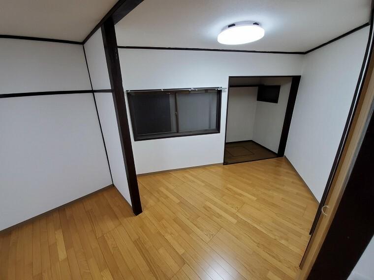 フローリングの部屋は清潔感があり、日々のお掃除も楽で助かりますね!