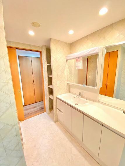洗面化粧台 ワイドが広い洗面台新調。忙しい朝も楽々です。