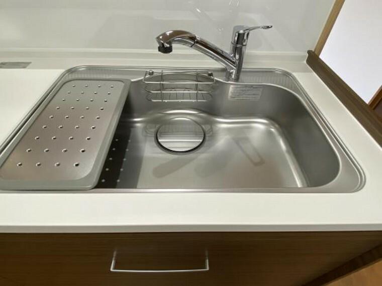 【リフォーム済】水栓金具は「かゆい所に手が届く」シャワータイプです。汚れにくくお手入れ簡単です。