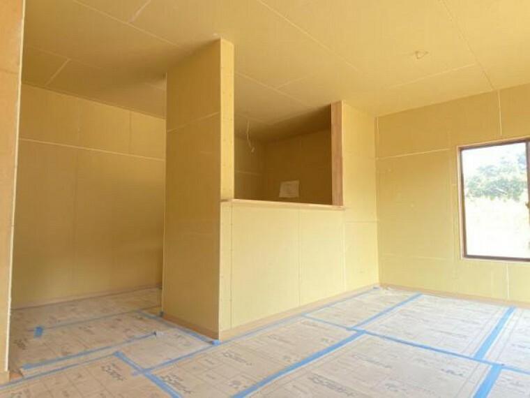 キッチン 【リフォーム中(10/29撮影)】新品のキッチンを対面で設置します。