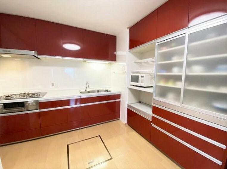 キッチン 広々としたキッチンでお料理がはかどりますね