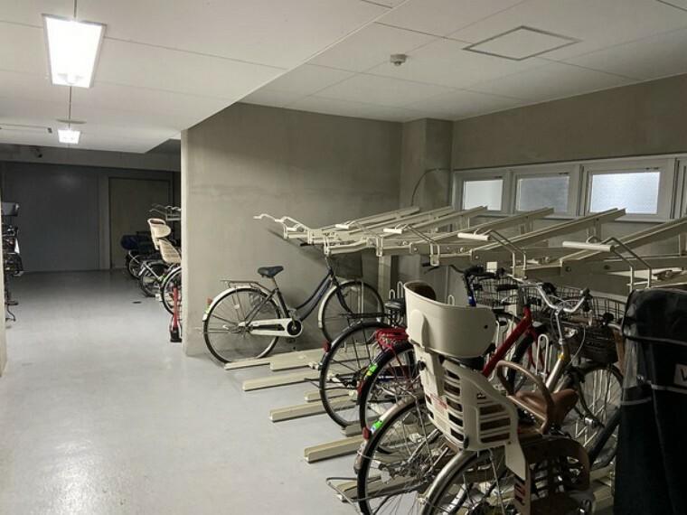 室内自転車置き場