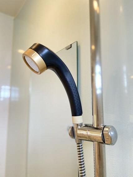 浴室 高級感あふれるシャワーヘッドです