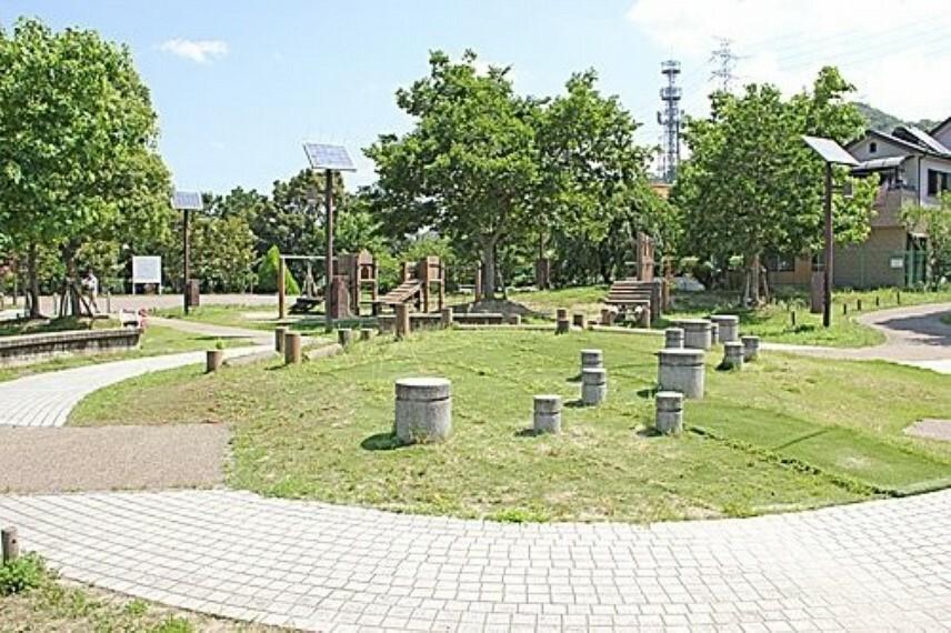 公園 【公園】倉治公園まで363m