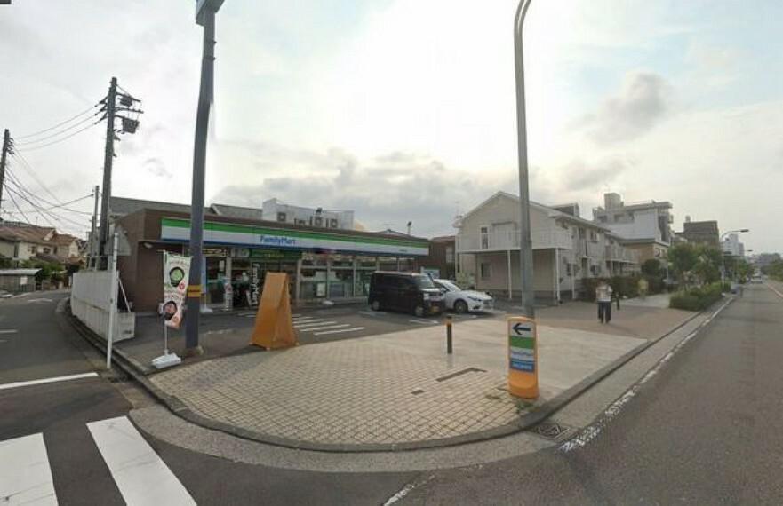 コンビニ ファミリーマート金沢柳町東店