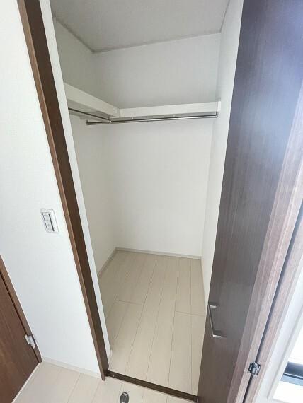 収納 あると嬉しいウォークインクローゼット完備!スッキリとした住空間を保てます。