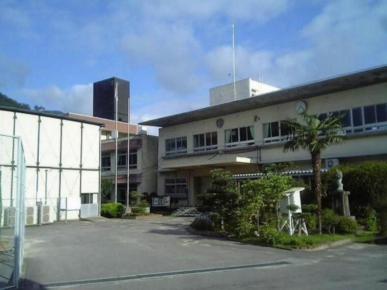 小学校 広島市立阿戸小学校