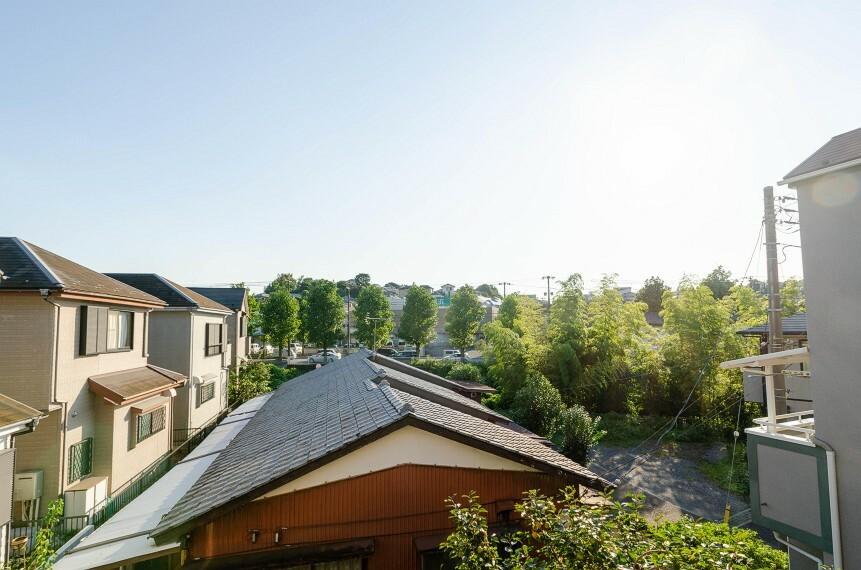 眺望 開放的で気持ちの良い眺望と青い空を満喫できます。