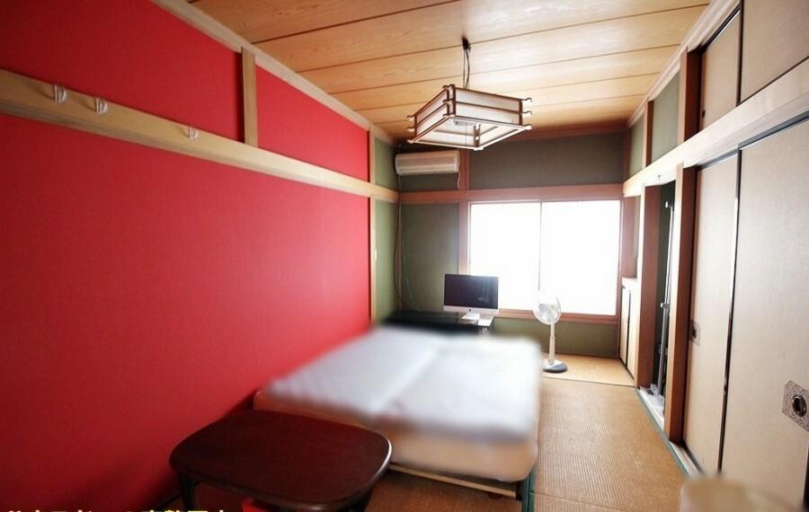 洋室 間取り図右下の10帖和室。和室は客間、お子様の遊び場、お昼寝場所と多目的にお使い頂けます。