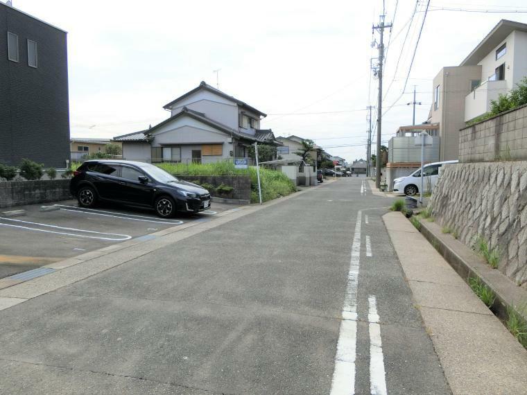 現況写真 前面道路の様子です。