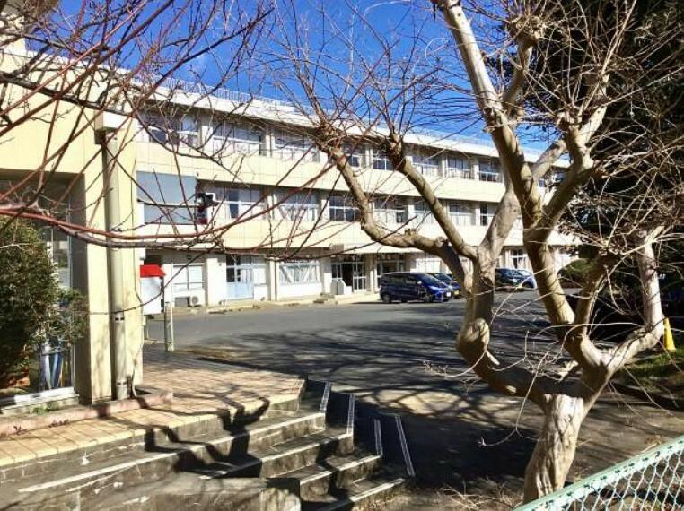 小学校 【小学校】梅が丘小学校まで1090m