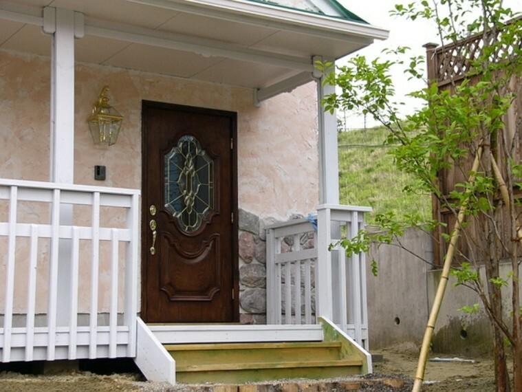 玄関 おしゃれな玄関ドアです。
