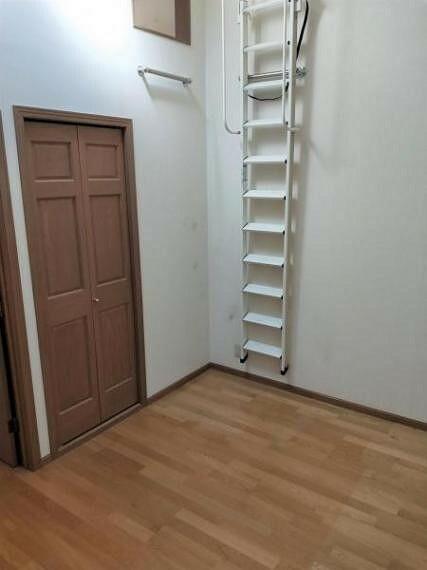 浴室 約6帖(3階南側)のお部屋です。こちらのお部屋にもロフトがございます。