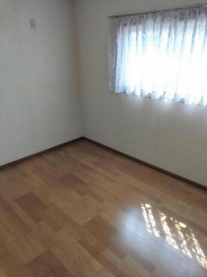 約6帖(3階南西側)のお部屋です。