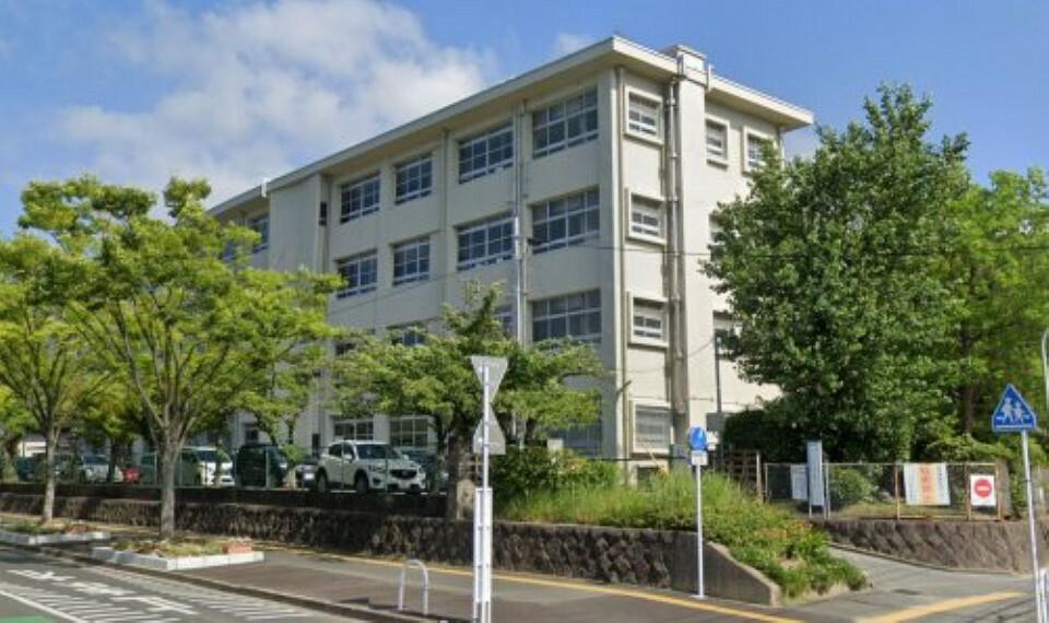 小学校 【小学校】福岡市立長住小学校まで750m