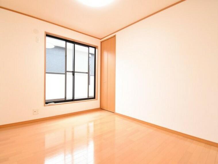 洋室 家族のくつろぎの時間を、さらに開放的にする空間。