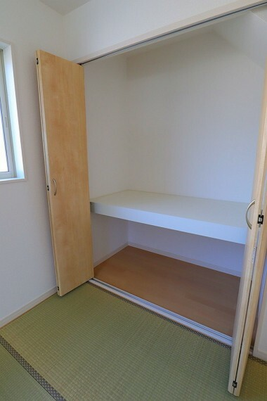 同仕様写真(内観) 和室収納 同仕様 来客用の布団などもスッキリと収納することができます