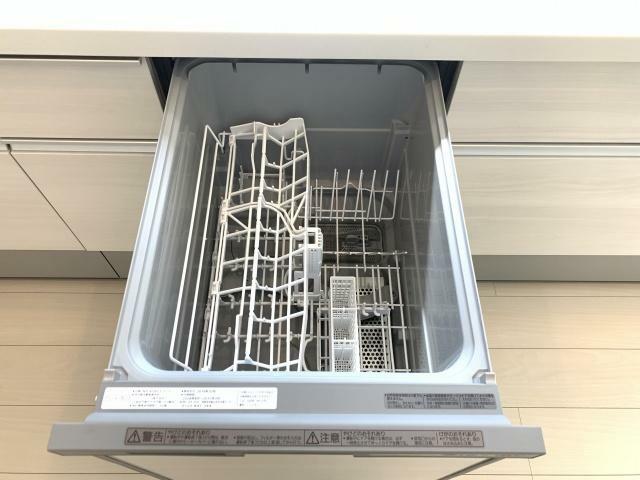 キッチン 食洗機付きです 面倒な洗い物も楽々