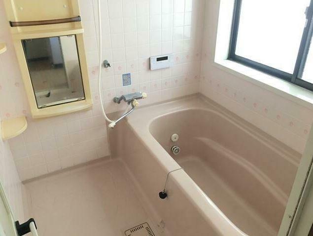 浴室 追い焚き機能付き。