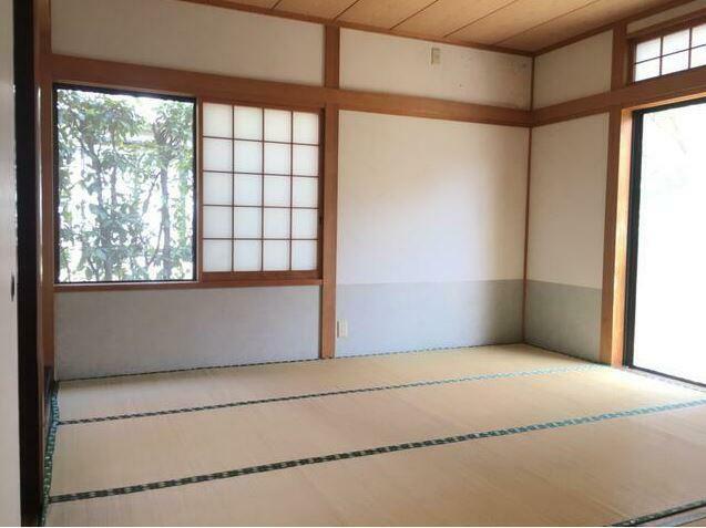 和室 8帖の和室。 ここちよい眠りへといざなう畳の香りと和室空間。