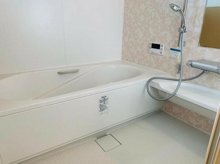 浴室 ゆったりとしたバスルームで1日の疲れを癒せます