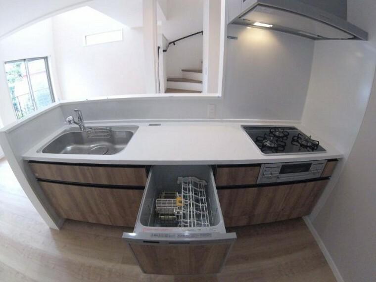 キッチン 浄水器、食器洗浄乾燥機付きカウンターキッチン!