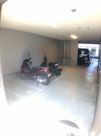 駐車場 自動二輪車