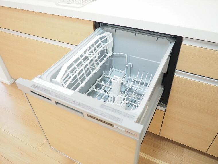 食器洗浄乾燥機  キッチンには嬉しい食洗機付き  家事がはかどりそうですね