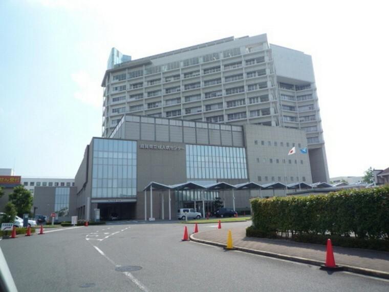 病院 滋賀県立総合病院 【受付時間】午前8時30分~午前11時(予約患者受付機は8時15分から)※当日2科受診を希望される方は、午前10時30分までとなります。  ※午後は予約の方のみ。