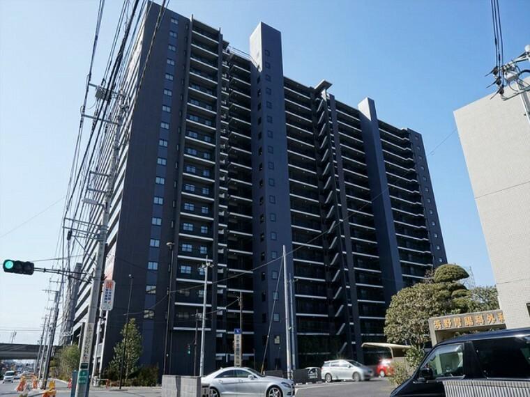 外観写真 平成29年1月築。総戸数437戸のビッグコミュニティ