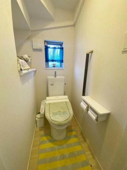 トイレ (トイレ)シャワートイレで快適な毎日を送れそう(小物等はつきません)
