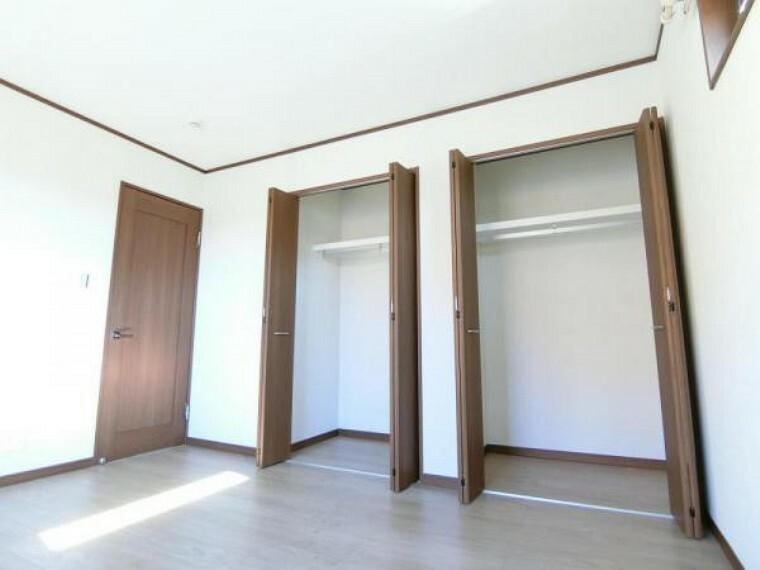 現況写真 主寝室には大容量の収納スペース