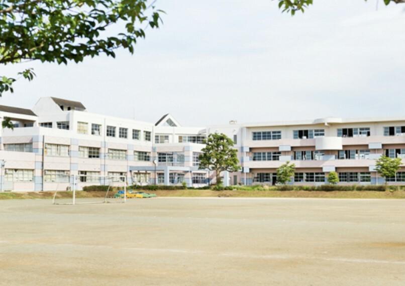 小学校 【小学校】白井市立桜台小学校まで440m