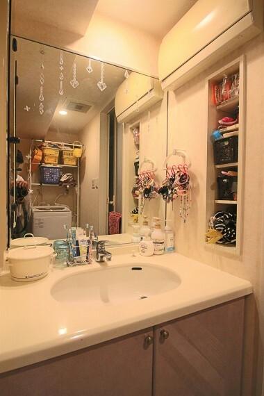 洗面化粧台 コンセント付洗面台。